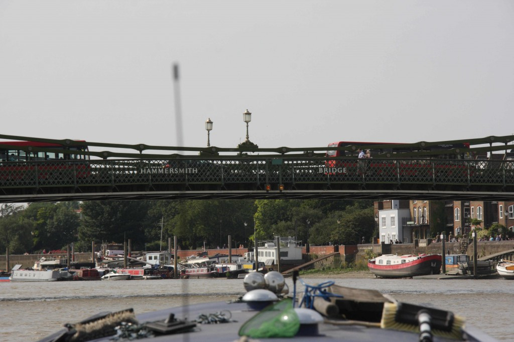 "When travelling upstream under Hammersmith Bridge – aim between the words ""Hammersmith"" and ""Bridge"""